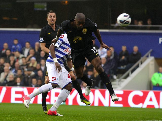 Sylvain Distin scores for Everton