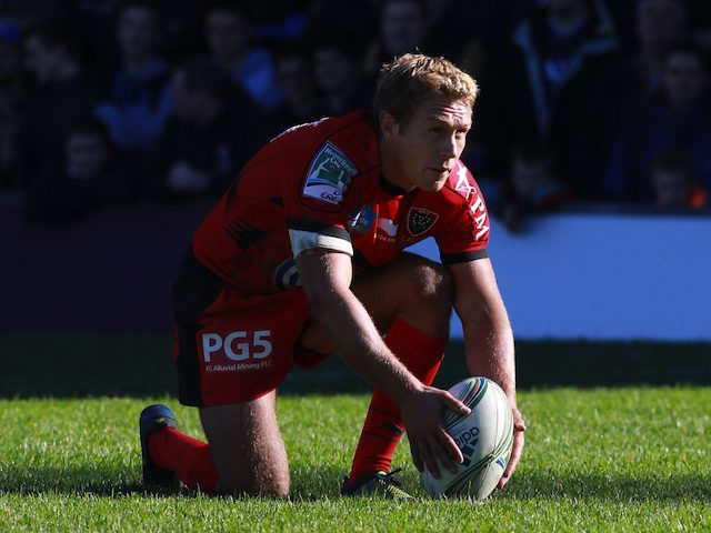 Jonny Wilkinson kicks for Toulon