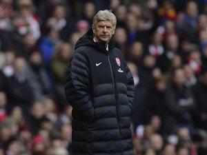 Arsene Wenger wearing his favourite coat