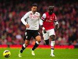 Fulham's Kieran Richardson pulls up with an injury