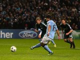 Sergio Aguero takes the penalty for Man City on November 21, 2012