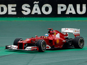 Fernando Alonso steers his car off track during the Brazilian GP on November 25, 2012