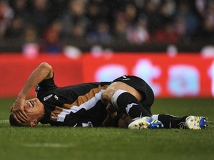 Fulham's Steve Sidwell lays injured against Stoke on November 24, 2012