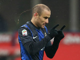 Inter's Rodrigo Palacio celebrates scoring the opening goal against Pescara on January 12, 2013