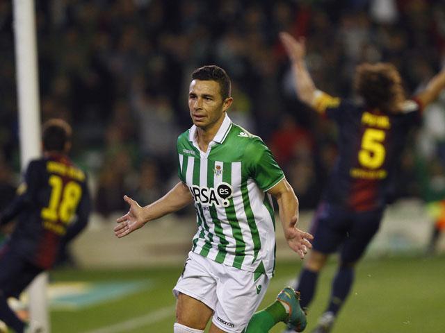 Ruben Castro of Real Betis celebrates scoring against Barcelona on 9 December, 2013