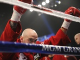 Kelly Pavlik prepares to fight Alfonso Lopez in Las Vegas on May 7, 2011