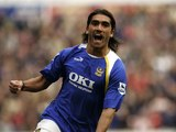 Pedro Mendes for Portsmouth in 2006