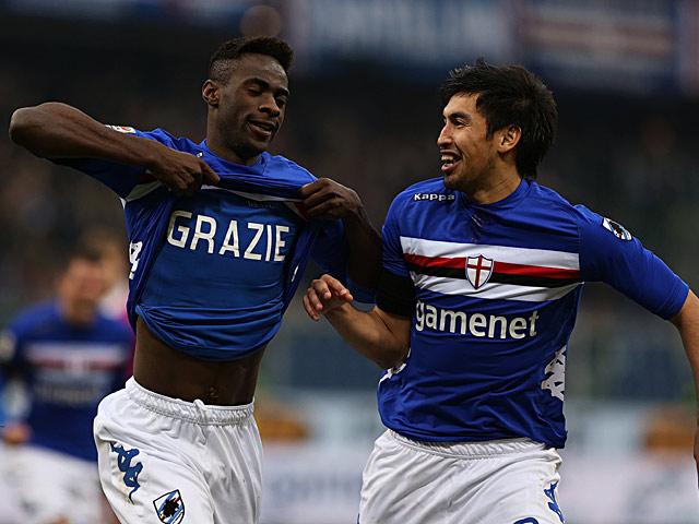 Sampdoria's Pedro Mba Obiang celebrates scoring his team's third goal against Pescara on January 27, 2013