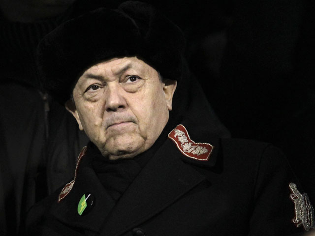 West Ham United co-owner David Sullivan looks on from the stands prior to his side's match with Fulham on January 30, 2013