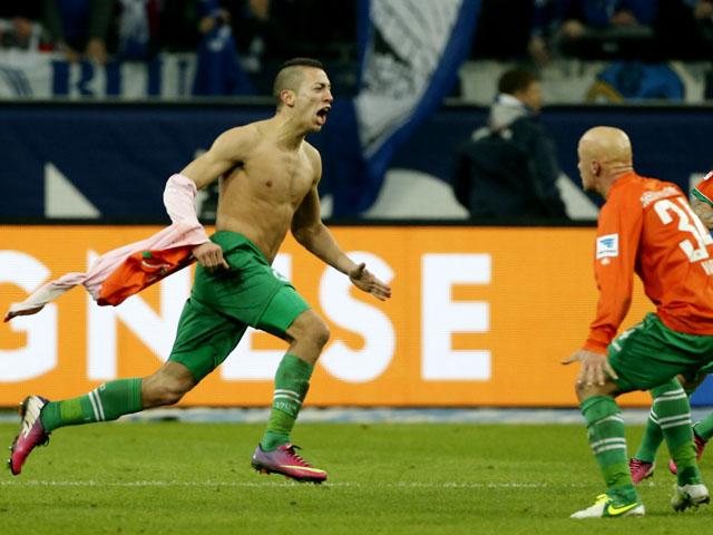 Greuther Fuerth's Nikola Durdic celebrates scoring the winning goal against Schalke on February 2, 2013