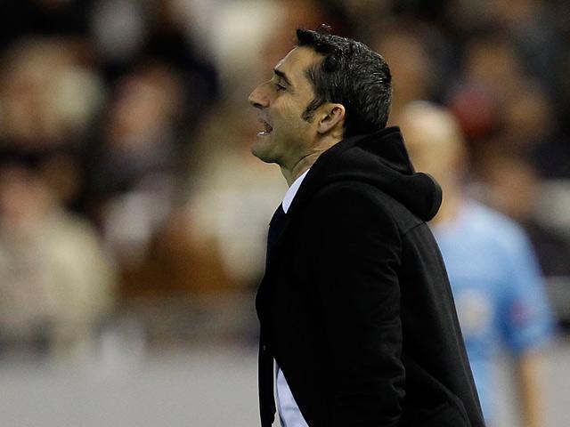 Valencia boss Ernesto Valverde on the touchline on January 20, 2013