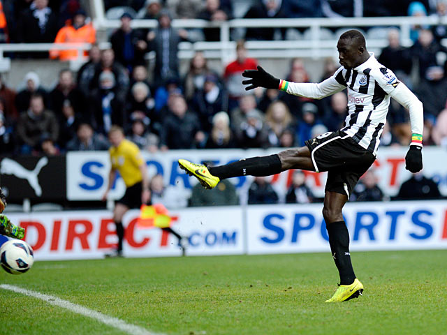 Papiss Cisse smashes in winning goal against Stoke on March 10, 2013
