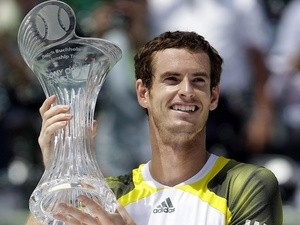 Andy Murray celebrates winning the Miami Masters on March 31, 2013