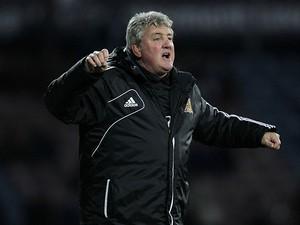 Hull manager Steve Bruce on the touchline during the match against Huddersfield on March 30, 2013