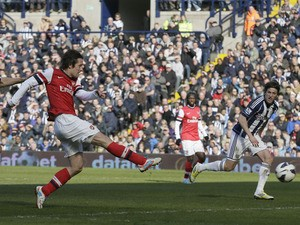 Arsenal's Tomas Rosicky scores his second goal against West Brom on April 6, 2013