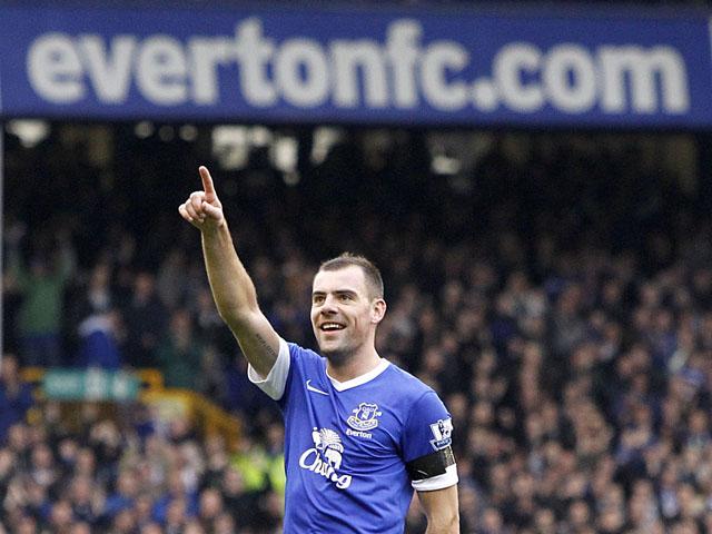 Everton's Darron Gibson celebrates after scoring against QPR in the Premier League clash on April 13, 2013