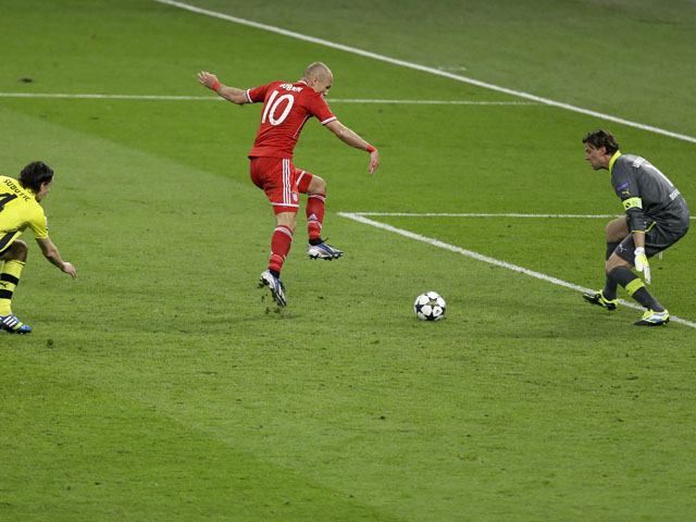 Bayern's Arjen Robben scores the winning goal in the Champions League Final on May 25, 2013
