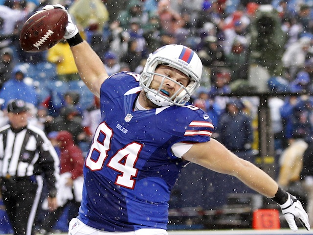 Bills' Scott Chandler celebrates a TD against the Jags on December 2, 2012