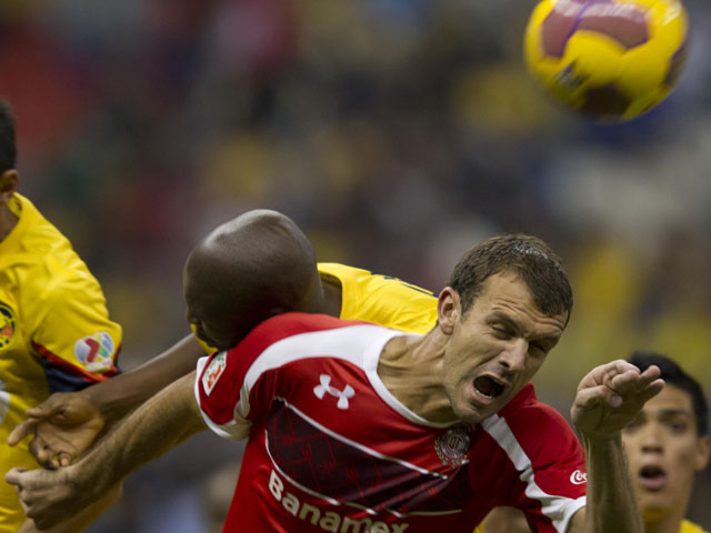 Diego Novaretti of Toluca during the match against Club América on November 22, 2012