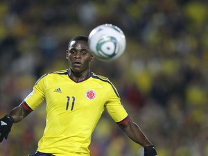 Colombia's Duvan Zapata fight for the ball during a U-20 World Cup quarterfinals soccer match against Mexico on August 13, 2011