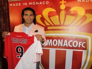 New Monaco signing Radamel Falcao with his shirt on July 9, 2013
