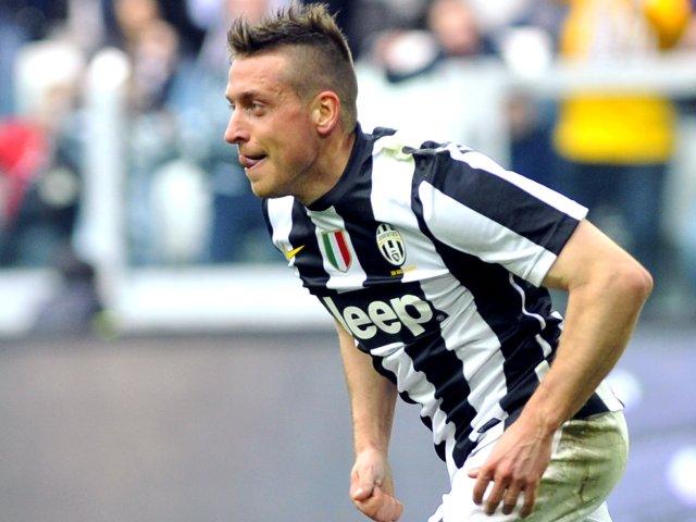Emanuele Giaccherini celebrates scoring against Catania for Juventus.