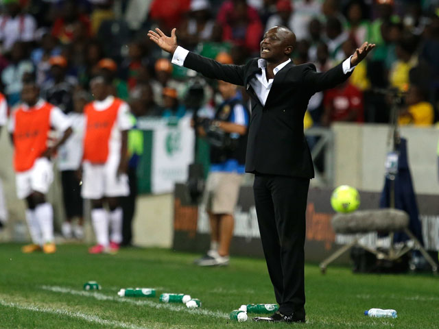 Ghana head coach Kwesi Appiah gestures during their African Cup of Nations semifinal match with Burkina Faso on February 6, 2013