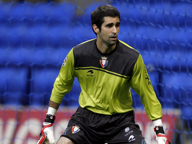 Osasuna goalkeeper Asier Riesgo during the friendly match against Bolton Wanderers on August 6, 2010