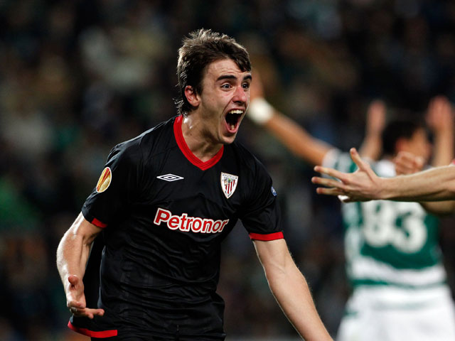 Athletic Bilbao's Jon Aurtenetxe celebrates after scoring the opening goal against Sporting during their Europa League clash on April 19, 2012