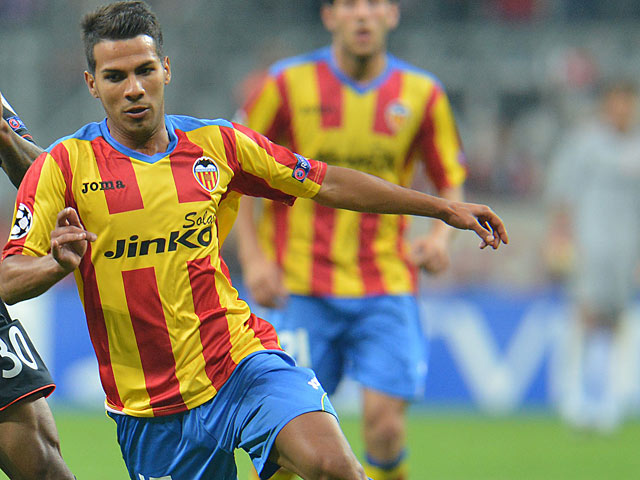 Valencia's Jonathan Viera in action on September 19, 2012