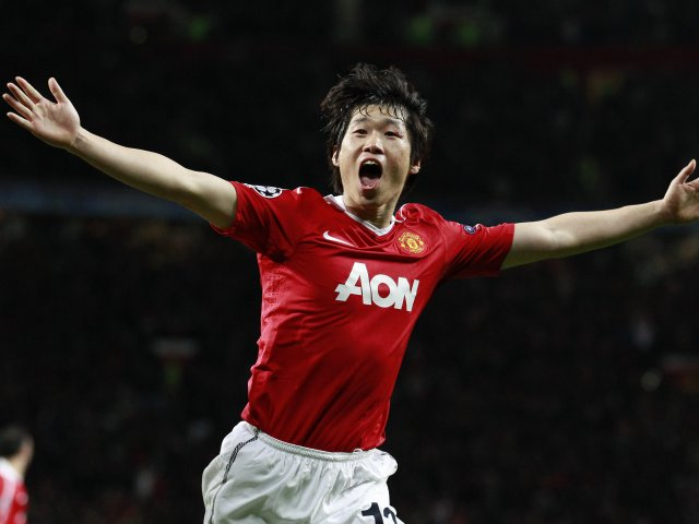 Park Ji-Sung celebrates his goal in the Champions League against Chelsea.