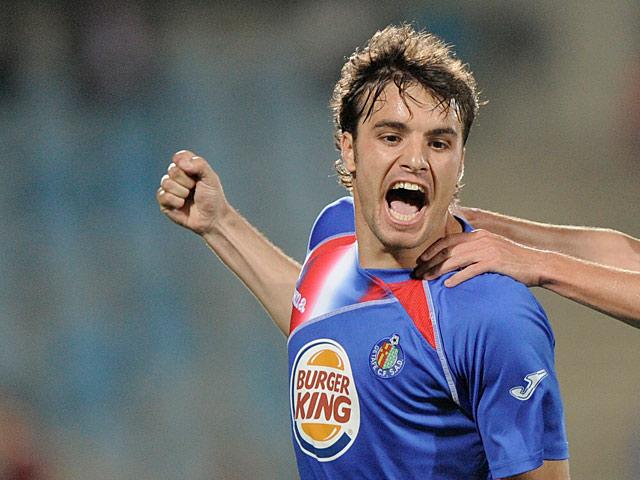 Getafe's Pedro Leon celebrates his goal on April 25, 2010