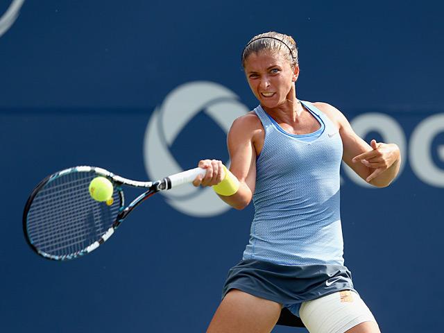 Sara Errani in action against Klara Zakopalova during the Rogers Cup on August 8, 2013