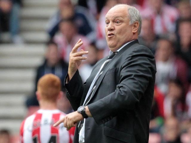 Martin Jol gestures during the English Premier League football match between Sunderland and Fulham at the Stadium of Light, Sunderland, northeast England, on August 17, 2013