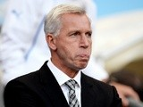 Newcastle boss Alan Pardew looks on as his side go 2-0 down to Man City on August 19, 2013