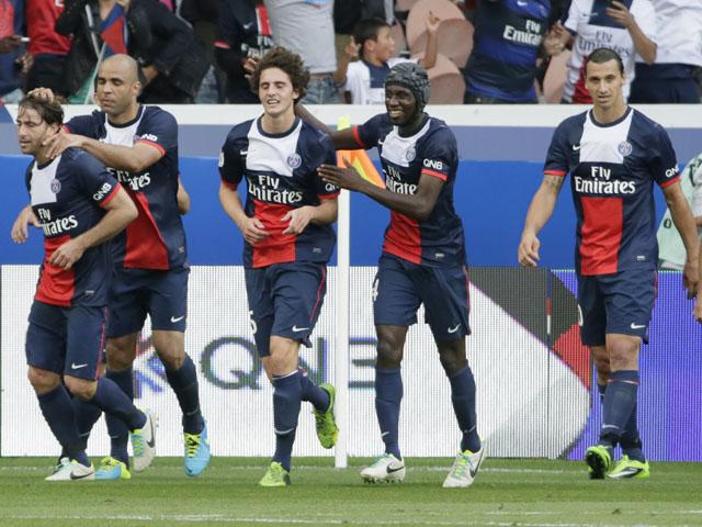 Paris Saint-Germain players celebrate their side's goal against Guingamp on August 31, 2013