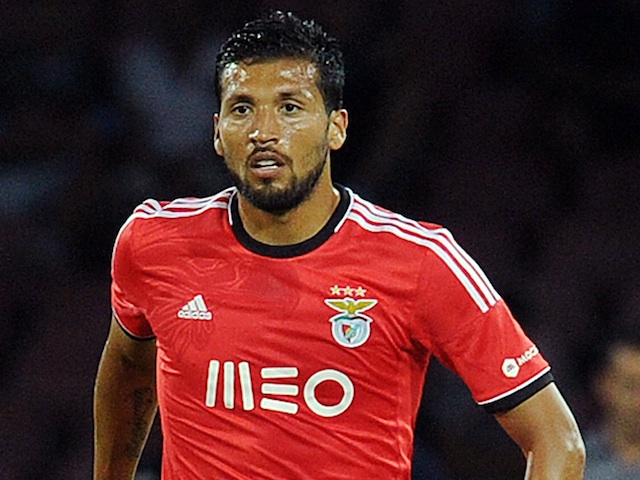 Benfica's Ezequiel Garay in action against Napoli on August 9, 2013