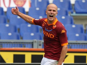 Roma's Michael Bradley celebrates his goal against Atalanta on October 7, 2012