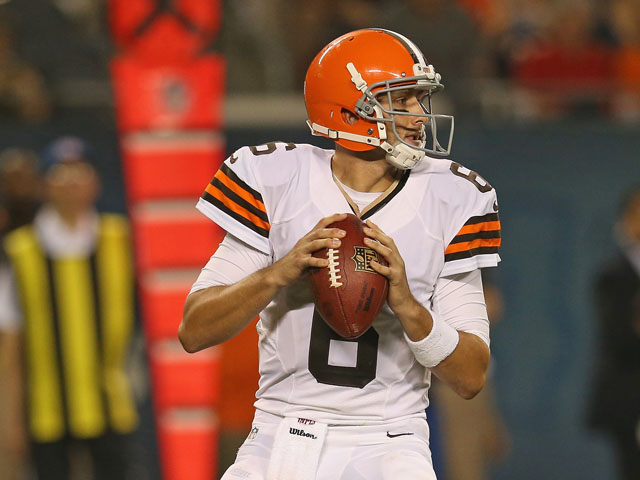 Brian Hoyer #6 of the Cleveland Browns looks for a receiver against the Chicago Bears at Soldier Field on August 29, 2013