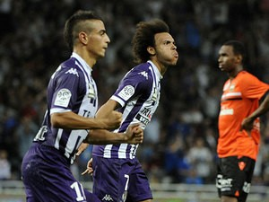 Toulouse's Martin Braithwaite celebrates after scoring the opening goal against Lorient during their Ligue 1 match on September 25, 2013