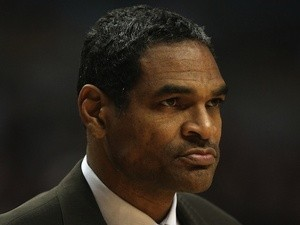 Maurice Cheeks of the Philadelphia 76ers coaches against the Chicago Bulls at the United Center on December 2, 2008