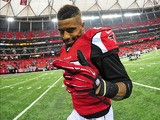 Thomas DeCoud #28 of the Atlanta Falcons celebrates after the game against the St. Louis Rams at the Georgia Dome on September 15, 2013