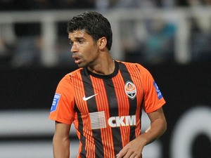 Eduardo of FC Shakhtar Donetsk in action during the Ukrainian Premier League match between FC Dynamo Kyiv and FC Shakhtar Donetsk on September 24, 2011