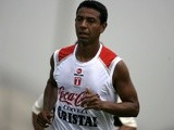 Peruvian national football team player Nolberto Solano takes part in a training session in Lima on March 30, 2009