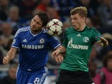 Schalke's midfielder Max Meyer and Chelsea´s Frank Lampard vie for the ball during the UEFA Champions League Group E football match Schalke 04 vs FC Chelsea in Gelsenkirchen, western Germany on October 22, 2013