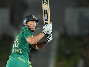 South Africa's Faf du Plessis plays a shot against Sri Lanka during their final Twenty20 cricket match on August 6, 2013