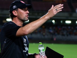 Coach Tony Popovic of Western Sydney Wanderers in action during the WanderTour 2013 Japan| China match between Western Sydney Wanderers v Shimizu S-Pulse on September 4, 2013