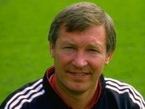 Manchester United manager Alex Ferguson poses for a photo in 1987