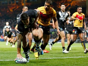 Sonny Bill Williams of New Zealand scores his third try during the Rugby League World Cup Group B match between New Zealand and Papua New Guinea at Headingley Stadium on November 8, 2013
