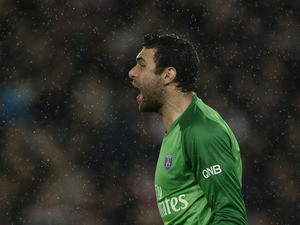 Paris Saint-Germain's Italian goalkeeper Salvatore Sirigu shouts during the French L1 football match Paris Saint-Germain vs FC Lorient at the Parc-des-Prince stadium in Paris on November 1, 2013